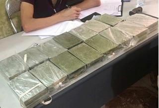 Bắt 'nữ quái' đang chuyển trái phép 30 bánh heroin từ Thái Bình về Hải Phòng