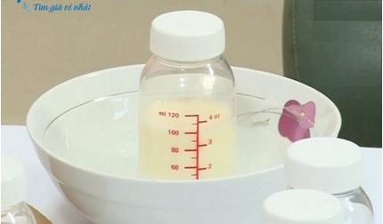 Nghệ An: Bé 19 tháng tuổi tử vong vì uống nhầm bình nước sôi mẹ vừa đun