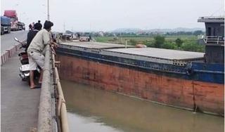 Hải Dương: Tàu thuỷ tông cầu An Thái, giao thông ùn tắc nghiêm trọng