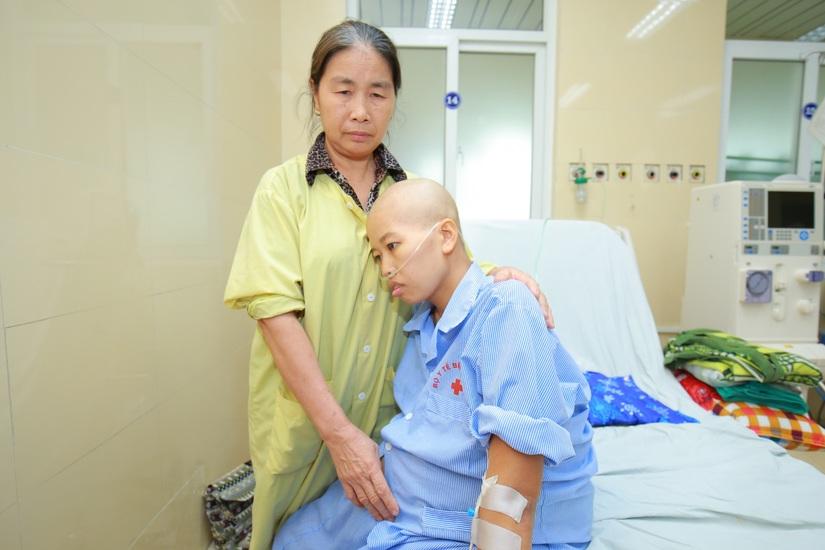 Rơi nước mắt với ca mổ sinh của sản phụ Hà Nam bị ung thư vú giai đoạn cuối vẫn quyết tâm giữ con