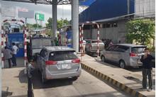 Trạm T2 BOT 91 liên tục xả cửa vì tài xế phản đối