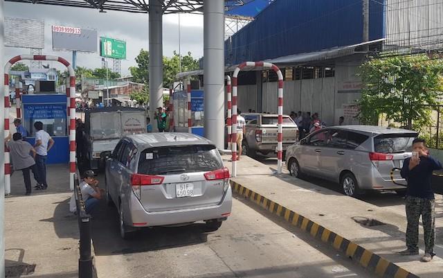 Trạm T2 BOT 91 liên tục xả cửa vì quốc lộ ùn tắc
