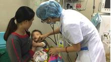 Bé 2 tuổi bị sốc phản vệ nguy kịch sau khi tiêm kháng sinh