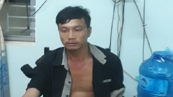 Sau cãi vã với vợ, gã cha nhẫn tâm dìm chết con trai 1 tuổi rồi đứng nhìn