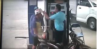 Nhân viên cây xăng bị khách dùng chìa khóa đâm rách đầu