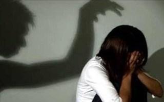 Bắt 3 thanh niên quan hệ tình dục với nữ sinh lớp 6