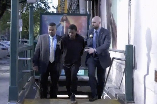 Đăng bức hình khoe 'của quý', tên cướp bị cảnh sát tóm gọn