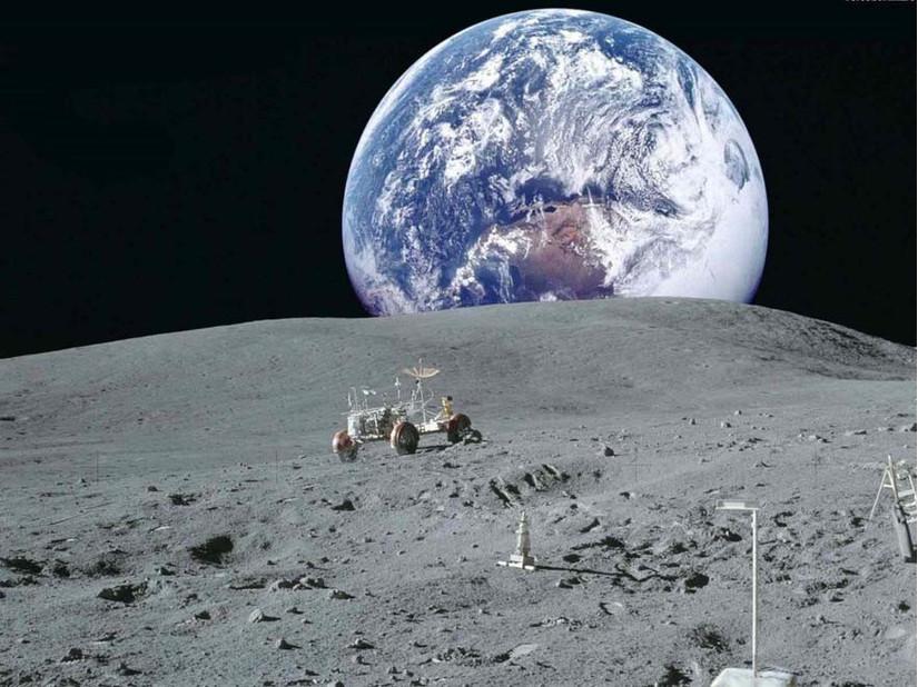 Con người sẽ trở lại mặt trăng vào năm 2024?