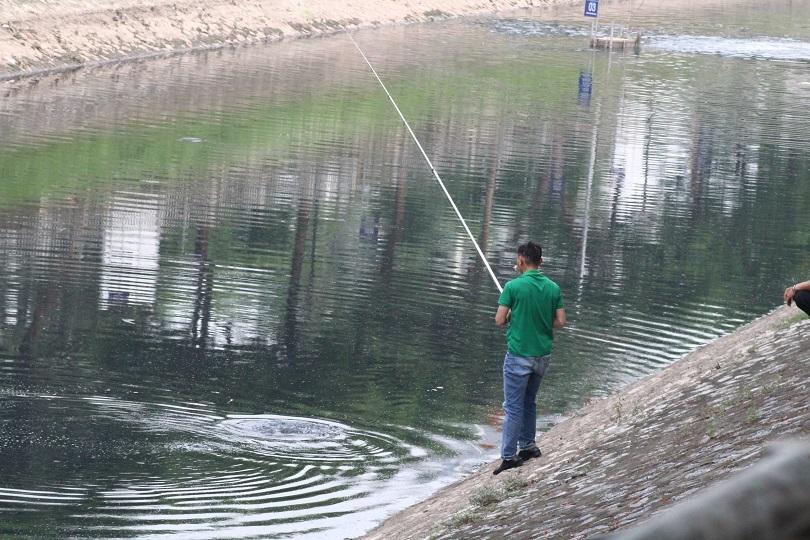 Sáng nay chuyên gia Nhật Bản đã công bố kết quả sau 3 tuần đặt máy lọc dưới sông Tô Lịch.