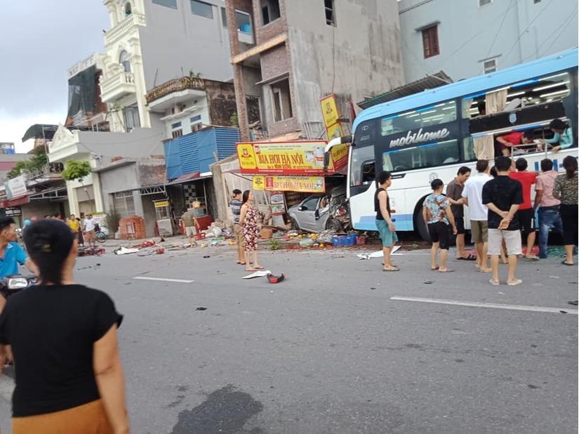 Danh tính nạn nhân tử vong trong vụ xe khách gây tai nạn liên hoàn