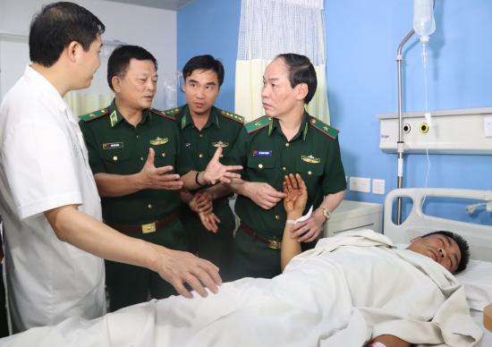 Sức khoẻ của 2 chiến sĩ biên phòng bị tội phạm ma túy bắn bị thương ở Thanh Hoá ra sao?2