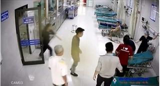 CLIP: Cận cảnh ca cấp cứu trẻ ngừng tuần hoàn nguy kịch