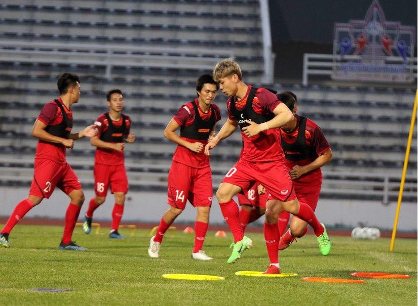 HLV Curacao tự tin cùng các học trò đánh bại đội tuyển Việt Nam ở trận chung kết
