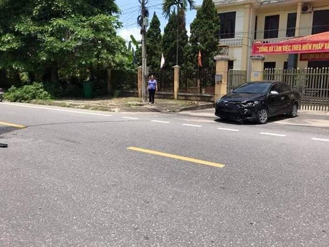 Hiện trường vụ xe chở Viện trưởng VKSND huyện gây tai nạn - Ảnh: KL