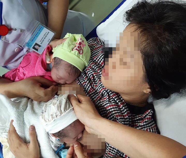 Hy hữu: sản phụ Quảng Nam sinh đôi, 1 con trong nhà vệ sinh, 1 con ở bệnh viện