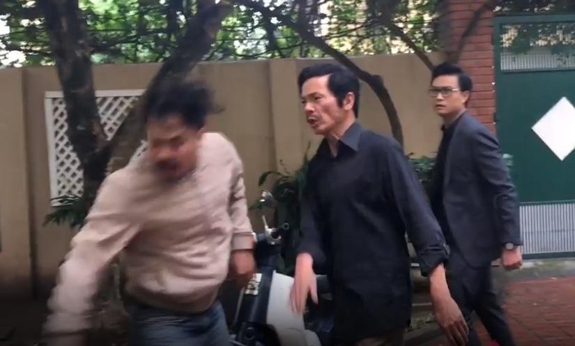 Clip Thu Quỳnh hả hê thấy ông Sơn tát Khải 'trả thù' cho mình trong Về nhà đi con