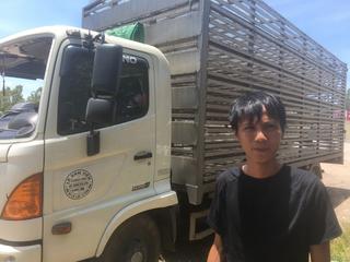 Vụ 'hôi' vịt khi xe tải bị lật: Tài xế phải đền 200 triệu, gia đình rất khó khăn