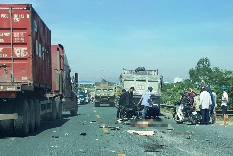 Hiện trường vụ tai nạn giao thông hai người tử vong.