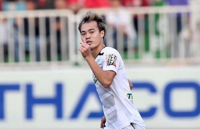 Tiền vệ Văn Toàn đón tin vui trước vòng 13 V.League 2019
