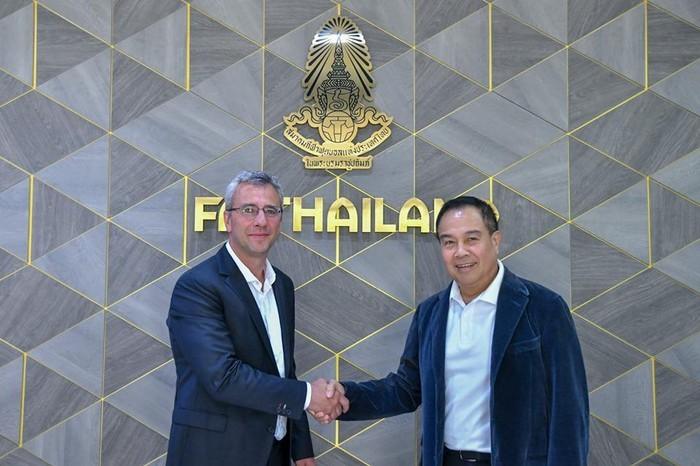 Liên đoàn bóng đá Thái Lan đã bổ nhiệm cựu HLV đội trẻ Barcelona làm giám đốc kỹ thuật.