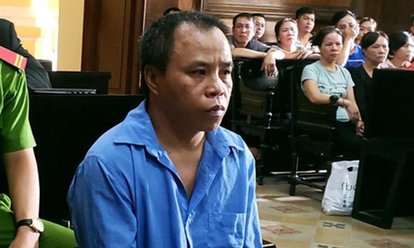 Chồng phạm tội giết người, vợ bị đánh ngay tai phiên tòa 2