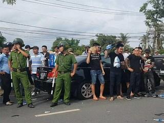 Thực hư vụ giang hồ bao vây xe ô tô chở công an ở Đồng Nai