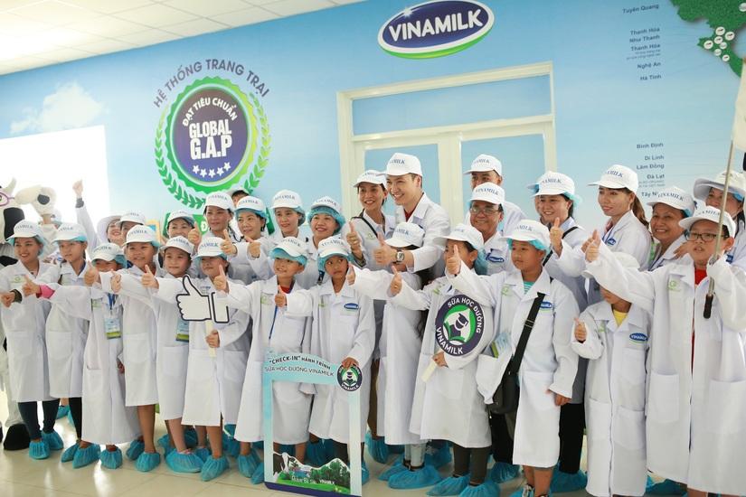 Học sinh hào hứng tự 'khám phá' hành trình sữa học đường Vinamilk