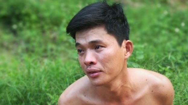 Nghi hàng xóm ngoại tình với vợ, gã đàn ông chém người này tử vong rồi trốn vào rừng