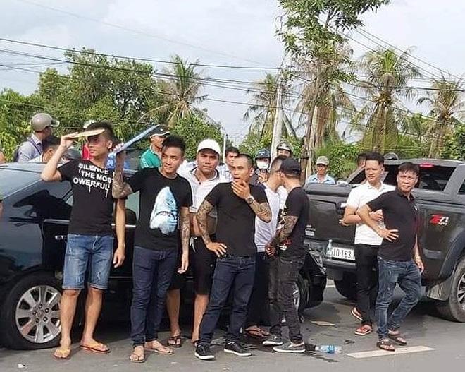 Tiết lộ về người gọi Giang '36' đến cùng nhóm xăm trổ vây xe công an