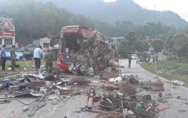 Hiện trường vụ tai nạn giao thông nghiêm trọng khiến 3 người thiệt mạng.