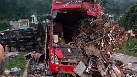 Lời kể hãi hùng của nhân chứng vụ tai nạn thảm khốc ở Hòa Bình