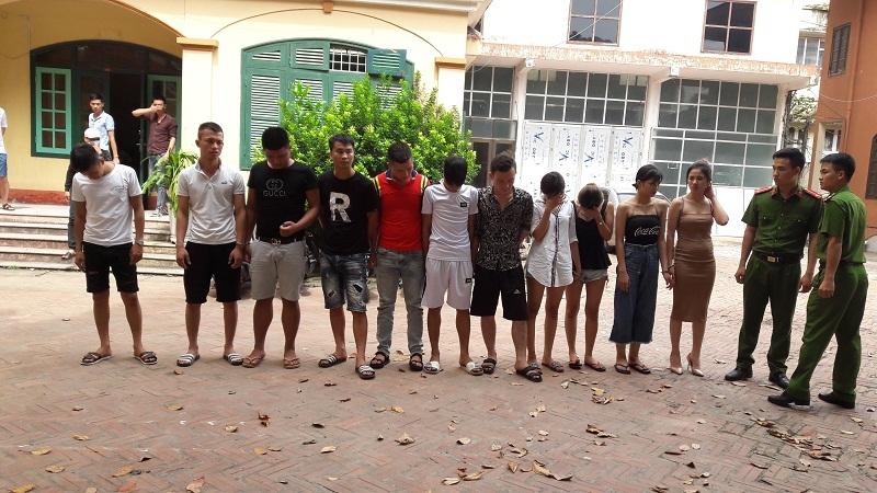 Hưng Yên: Bắt quả tang 24 nam, nữ đang phê ma túy bay lắc điên cuồng trong quán karaoke