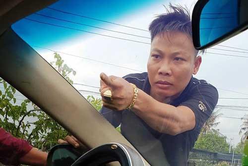 Chân dung Tuấn 'nhóc vừa bị bắt khẩn cấp vụ giang hồ vây xe công an
