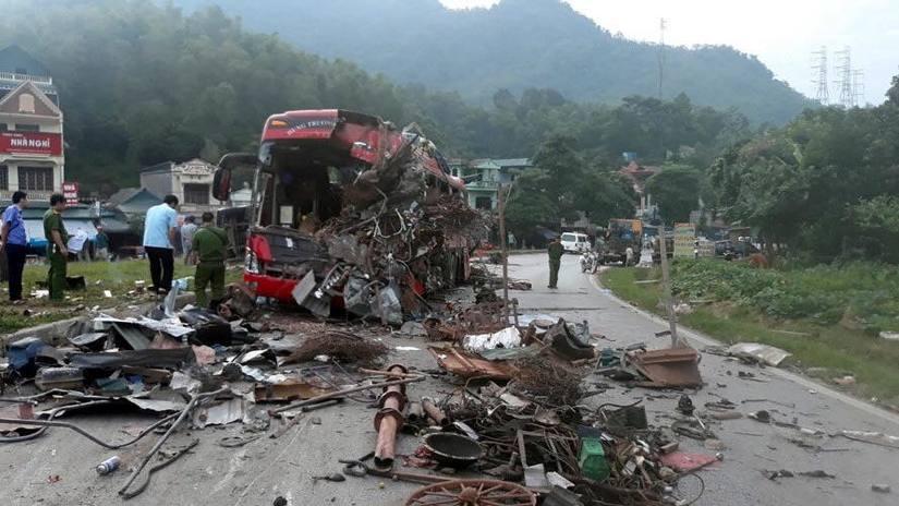 Thông tin mới nhất về sức khỏe các nạn nhân vụ tai nạn xe tải đâm xe khách ở Hòa Bình 3