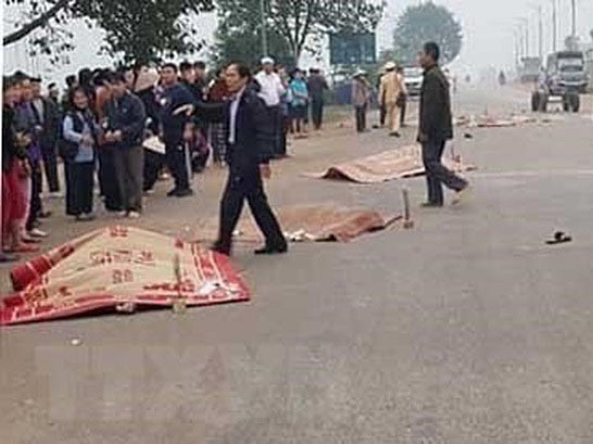 Xe khách đối đầu xe tải 41 người thương vong ở Hòa Bình và xe khách tông 7 người thiệt mạng ở Vĩnh Phúc có cùng 1 chủ