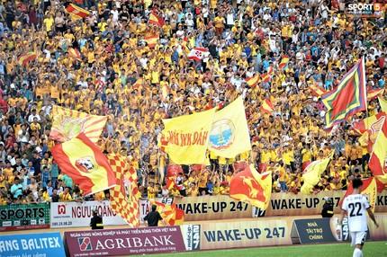 Sân Thiên Trường 'vô địch' lượng khán giả lượt đi V.League 2019
