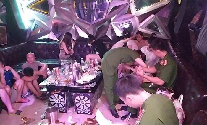Phát hiện 93 nam, nữ sử dụng ma túy tại quán karaoke PhanTom.