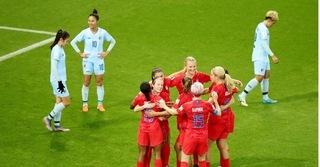 Các 'tướng lĩnh' Thái Lan lần lượt từ chức sau thất bại tại World Cup nữ 2019