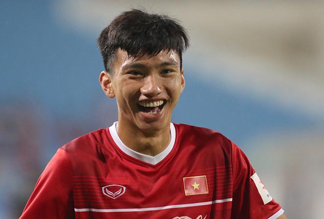 HLV Phạm Minh Đức nhận định Văn Hậu còn non khi xuất ngoại chơi bóng