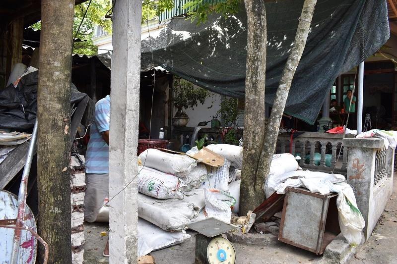 Ninh Bình: Bắt quả tang cơ sở sản xuất, tiêu thụ hơn 4 tấn mỡ bẩn