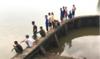 Hải Dương: Lật thuyền đánh cá trong đêm, 2 bà cháu mất tích