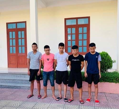 Hé lộ chân tướng vụ 5 thanh niên ném vỡ kính xe khách ở Thanh Hóa