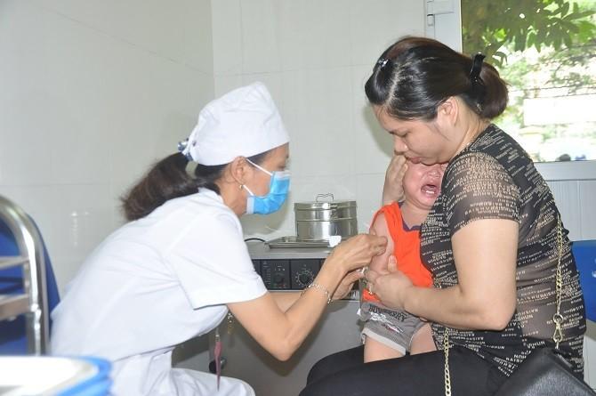 Trẻ phòng bệnh trên 90% khi được tiêm vắc xin viêm gan B trong 24h