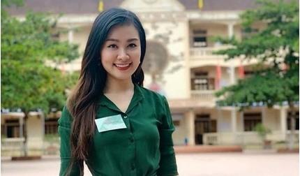 Nữ giám thị kỳ thi THPT Quốc gia xinh đẹp gây 'bão mạng'