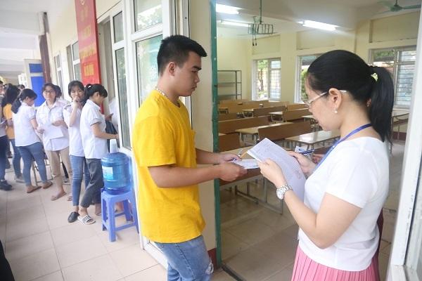 Vụ lọt đề thi THPT Quốc gia môn văn: Nữ sinh trường sư phạm tham gia giải hộ bài
