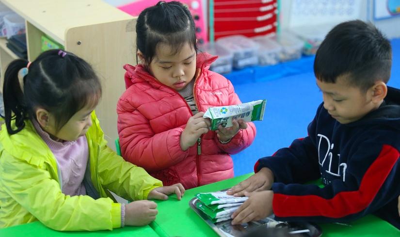 Chương trình Sữa học đường và nỗ lực cải thiện 'nạn' thiếu vi chất dinh dưỡng