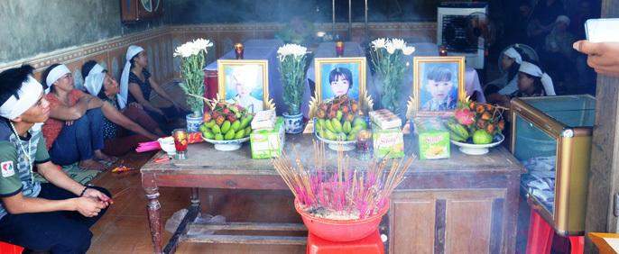 Thắt lòng cảnh tang tóc trong căn nhà 3 chị em ruột đuối nước ở Quảng Bình