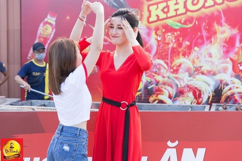 Giới trẻ Đà Nẵng háo hức ngóng chờ cặp đôi Big Daddy – Emily và AMEE – Kay Trần trước giờ khai màn Lễ hội Phố hàng nóng