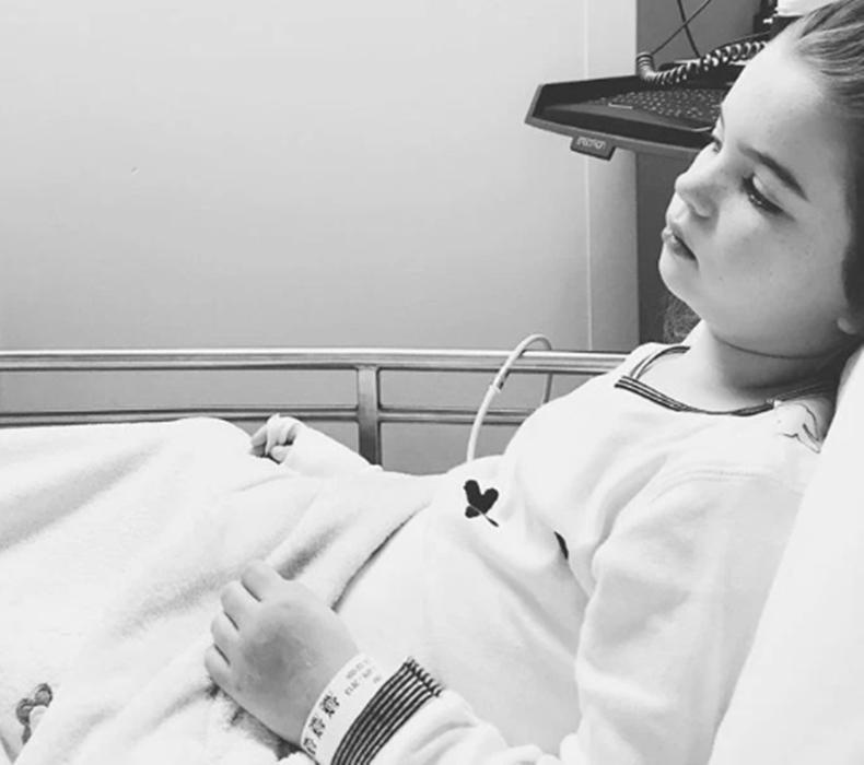 Bé gái 3 tuổi suýt chết vì sặc bỏng ngô, bác sĩ cảnh báo độ tuổi nên ăn