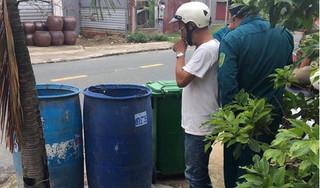 Đi nhặt ve chai, tá hỏa phát hiện thi thể thai nhi trong thùng rác